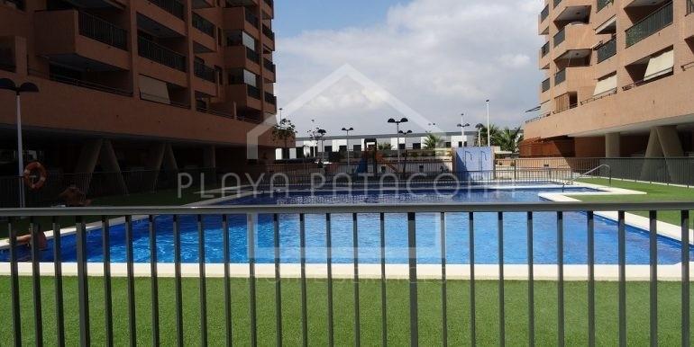 Residencial con dos piscinas