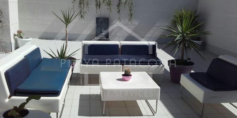 Solarium con muebles de diseño