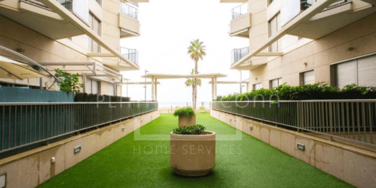 Zonas comunes en residencial en primera línea
