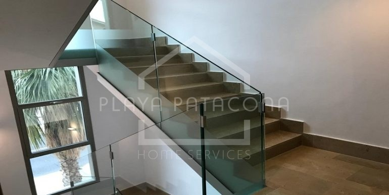 escalera-edificio-patacona