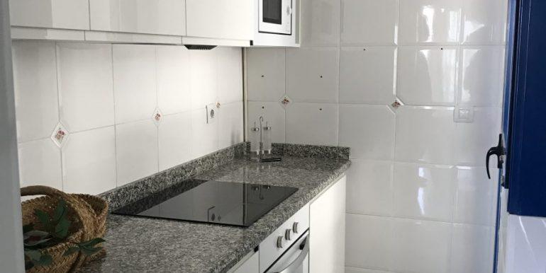 apartamento con cocina completa