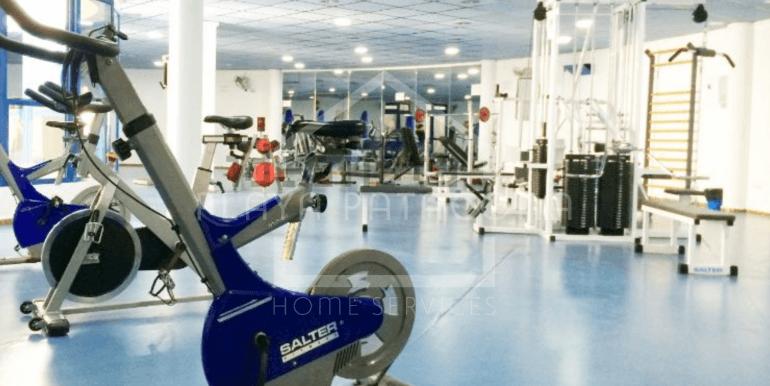 urbanización con gimnasio