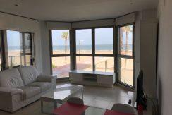 apartamento frontal al mar