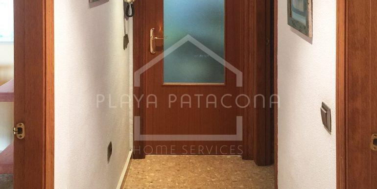 pasillo-Vivienda-de-3-dormitorios-a-50-m-del-mar