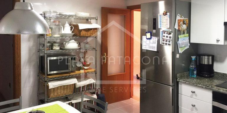 cocina-Vivienda-de-3-dormitorios-a-50-m-del-mar