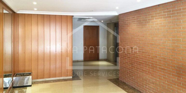 entrada-Vivienda-de-3-dormitorios-a-50-m-del-mar