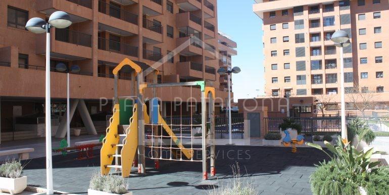 jardin-vivienda-3-habitaciones-Residencial-piscina-Patacona