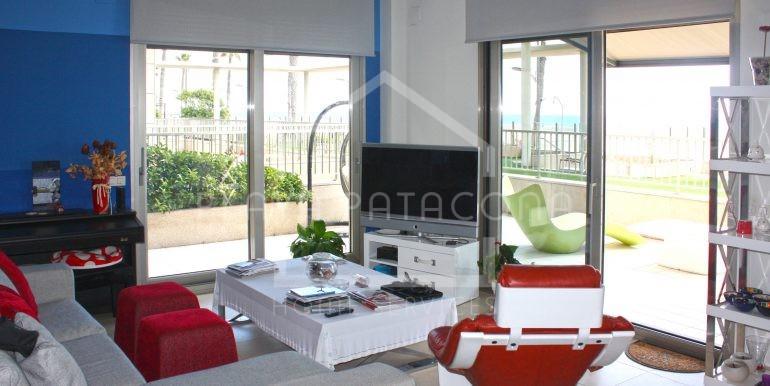 salón_vivienda_frontal_al_mar_Playa_Patacona