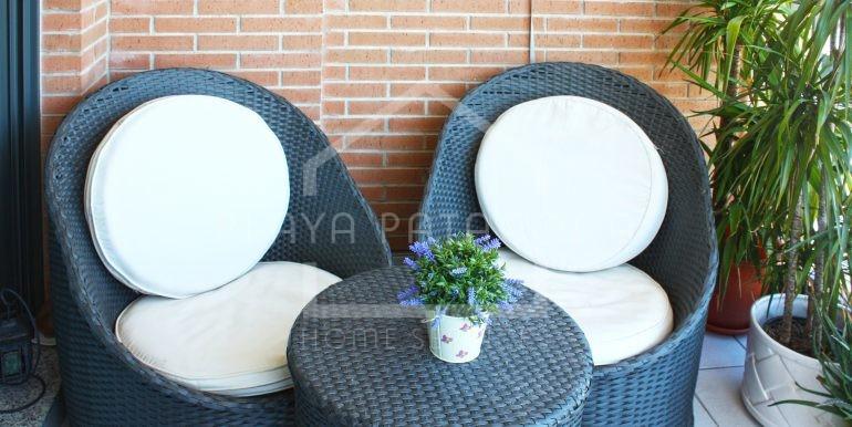 terraza-vivienda-3-habitaciones-Residencial-piscina-Patacona