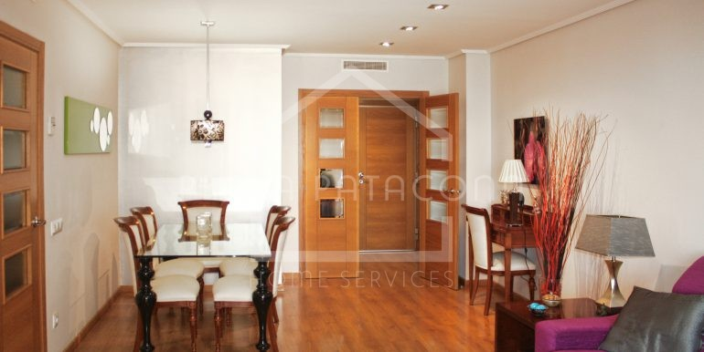 comedor-vivienda-3-habitaciones-Residencial-piscina-Patacona