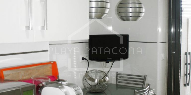 cocina-vivienda-3-habitaciones-Residencial-piscina-Patacona