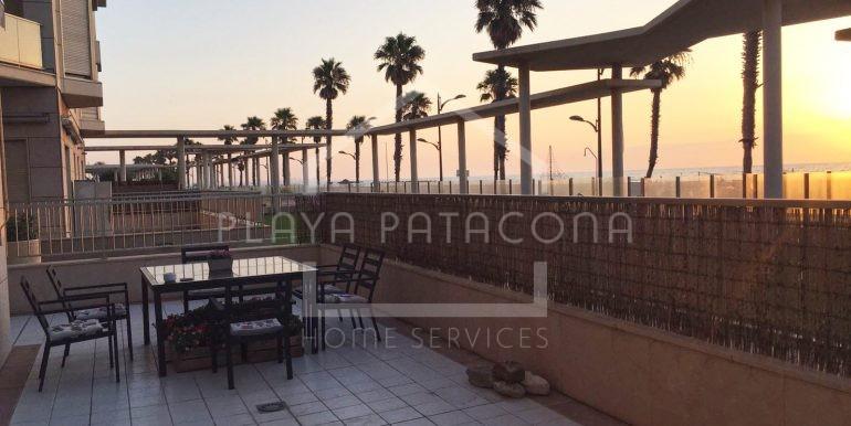 terraza en Apartamento exclusivo con vistas frente al mar en Patacona