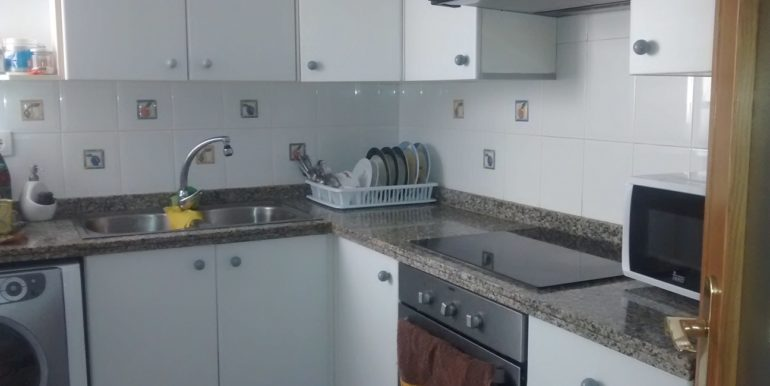cocina-vivienda-tres-habitaciones